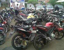 13981-brong-pakai-knalpot-30-motor-kena-razia-polres-jombang